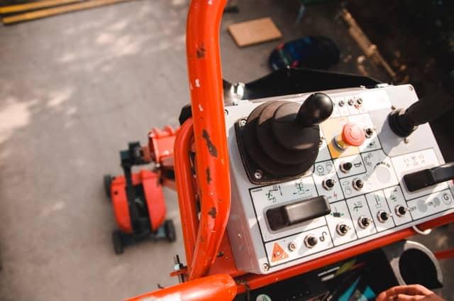 hydraulic lifting equipment maintenance Seattle